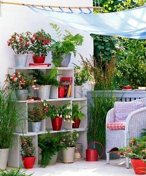 Jardines en espacios reducidos: Macetas, materiales, niveles y disposición